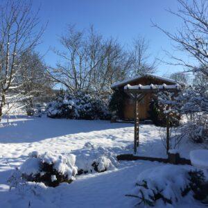 Garden office in snow